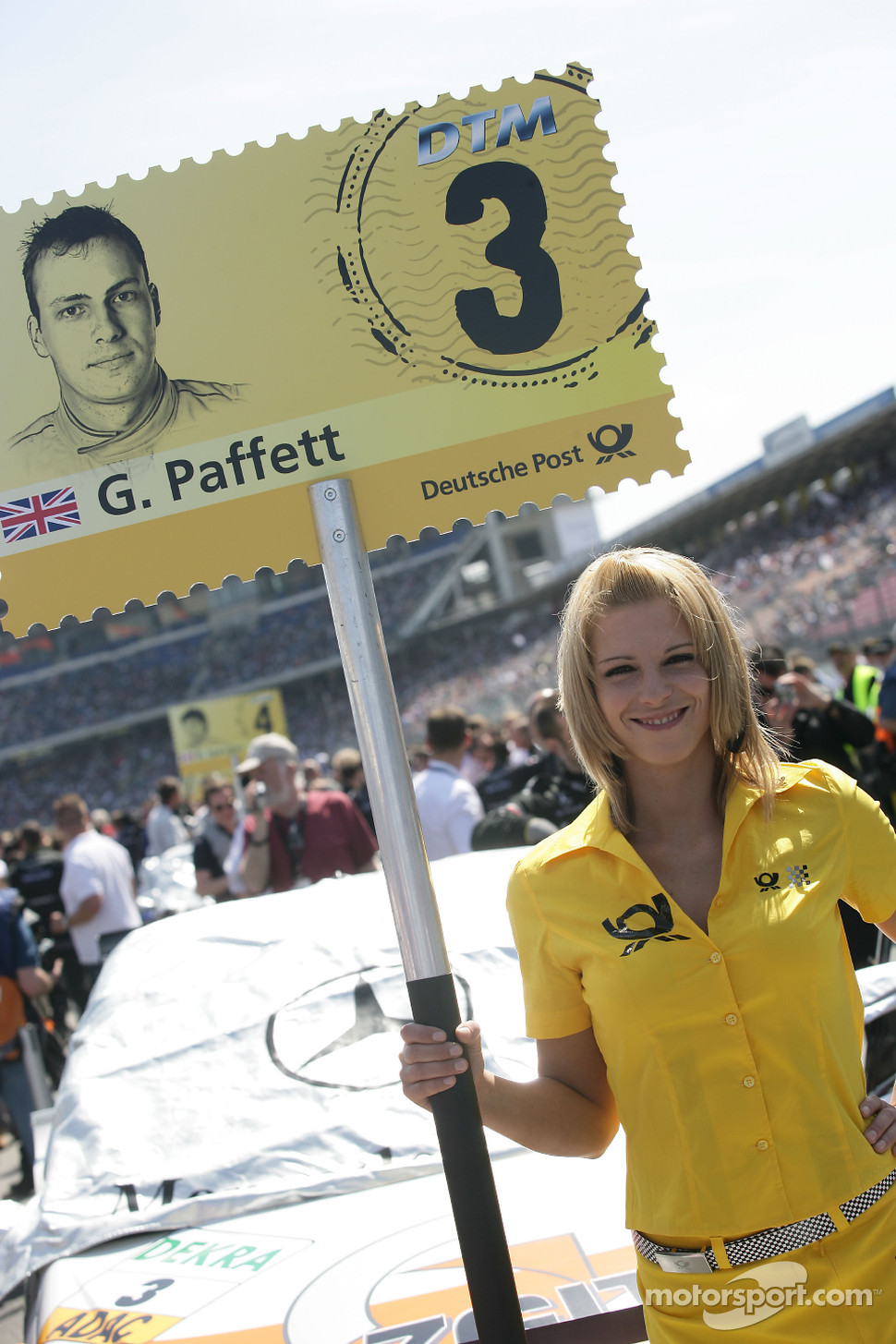 Grid girl of Gary Paffett, Team HWA AMG Mercedes C-Klasse