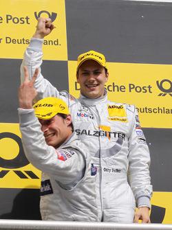 Podium: race winner Gary Paffett, Team HWA AMG Mercedes C-Klasse celebrates