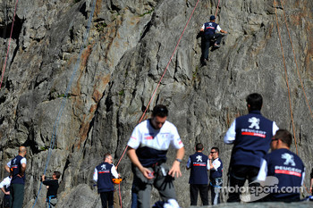 Team Peugeot Total drivers get ready for mountain climbing