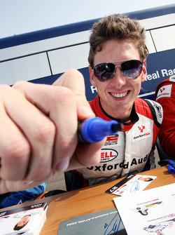 Paul Rees signs autographs