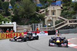 Bruno Senna, Hispania Racing F1 Team, Mark Webber, Red Bull Racing