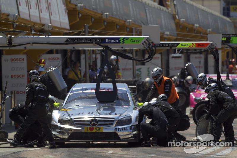 Pit stop for Ralf Schumacher, Team HWA AMG Mercedes C-Klasse