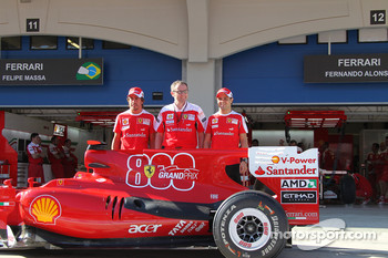 Fernando Alonso, Scuderia Ferrari with Stefano Domenicali Ferrari General Director and Felipe Massa, Scuderia Ferrari celebrate ferrari's 800th GP