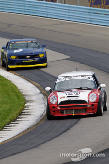 #196 RSR Motorsports Mini Cooper S: Owen Trinkler, Randall Smalley