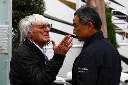 Bernie Ecclestone and  Hirohide Hamashima, Head of Bridgestone Tyre Development