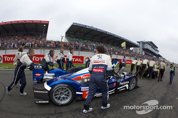 #2 Team Peugeot Total Peugeot 908 on starting grid