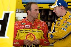 Kevin Harvick, Richard Childress Racing Chevrolet and Kyle Busch, Joe Gibbs Racing Toyota