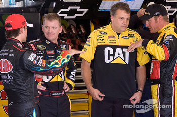 Jeff Gordon, Hendrick Motorsports Chevrolet, Jeff Burton, Richard Childress Racing Chevrolet, Clint Bowyer, Richard Childress Racing Chevrolet and crew chief for Burton, Todd Berrier