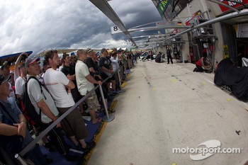 Fans in front of the Audi pit area