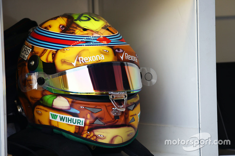 Гонщики McLaren показали раскраску шлемов - все новости Формулы 1 2020 | 533x800