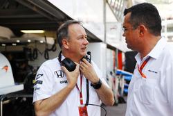 Jonathan Neale, McLaren and Eric Boullier, McLaren Racing Director in the pits