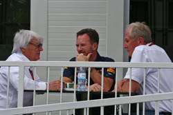 (L to R): Bernie Ecclestone, with Christian Horner, Red Bull Racing Team Principal and Dr Helmut Marko, Red Bull Motorsport Consultant
