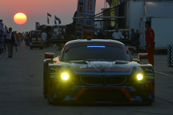 BMW RLR, morning warm-up in the paddock