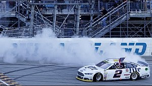 Keselowski makes three-wide pass for the win - 2014 NASCAR Chicagoland
