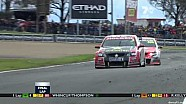 Tander holds off hungry Lowndes - 2011 Bathurst 1000
