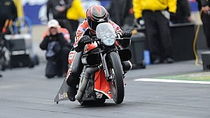 Andrew Hines powers to a victory in Reading #NHRA
