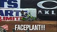 Clint Bowyer durante el Supercross Holeshot Race
