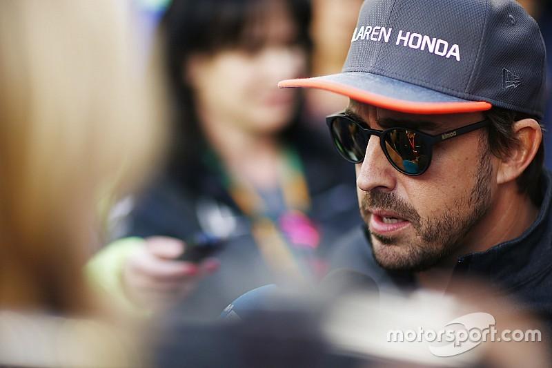 Алонсо поразила реакция в США на его участие в Indy 500