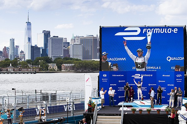 Fórmula E Sam Bird se lleva la gloria en Nueva York