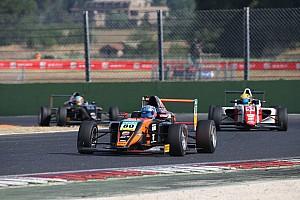 Formula 4 Gara Felipe Drugovich si impone in Gara 3 a Vallelunga