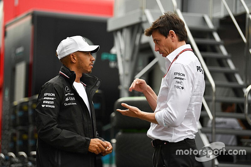 وولف يشرح الخطأ الاستراتيجي الذي وقع به فريقه في سباق النمسا