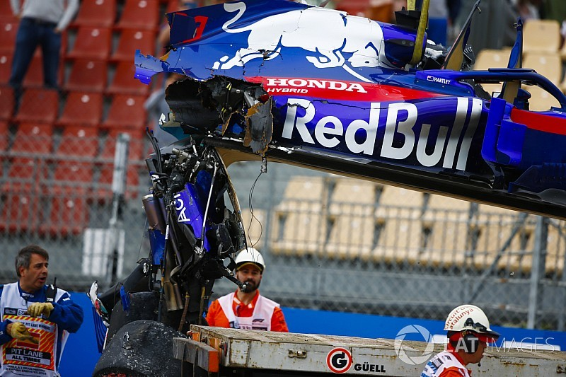 Хартли оказался на грани штрафа за замену компонентов мотора