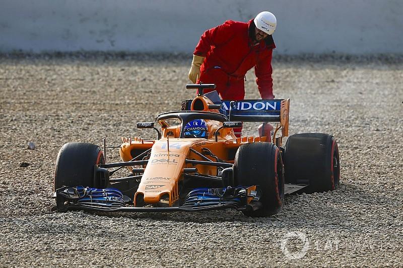 McLaren ve Alonso'nun testi sorunlu başladı