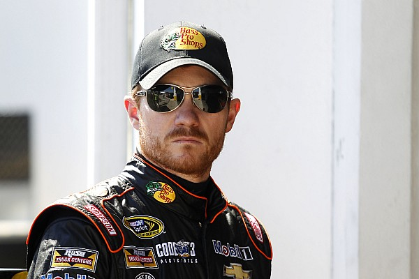 Vickers open to racing