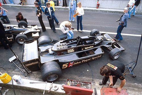 How a mistake helped create a Lotus F1 icon