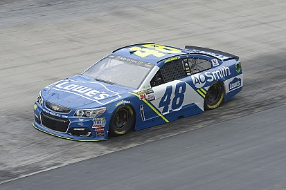 Jimmie Johnson si impone nel
