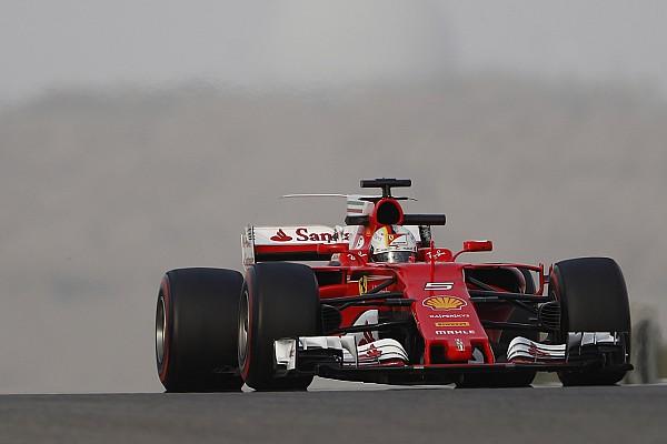 """Vettel ziet veel baantijd verloren gaan: """"Niet ideaal"""""""