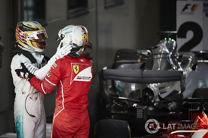 Сезон Формулы 1 2017 года в двух фотографиях