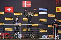 Lundgaard gana y Schumacher sigue al frente
