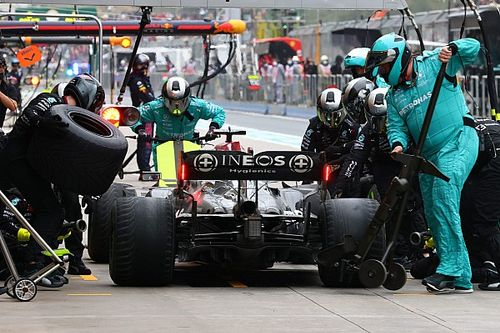 F1 - Mercedes: Rendimento de Ocon no fim prova risco de não parar Hamilton