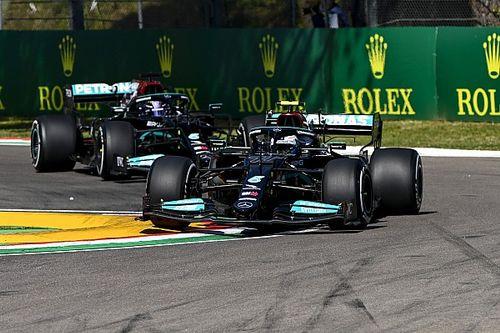 Гонщики Mercedes опередили соперников в пятницу, Ферстаппена подвела машина
