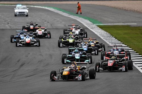 Toshiki Oyu domina a Silverstone al debutto in Euroformula Open