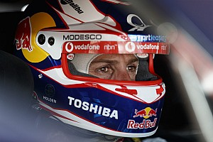 Supercars Practice report Tasmania Supercars: Whincup fastest in frantic Practice 2