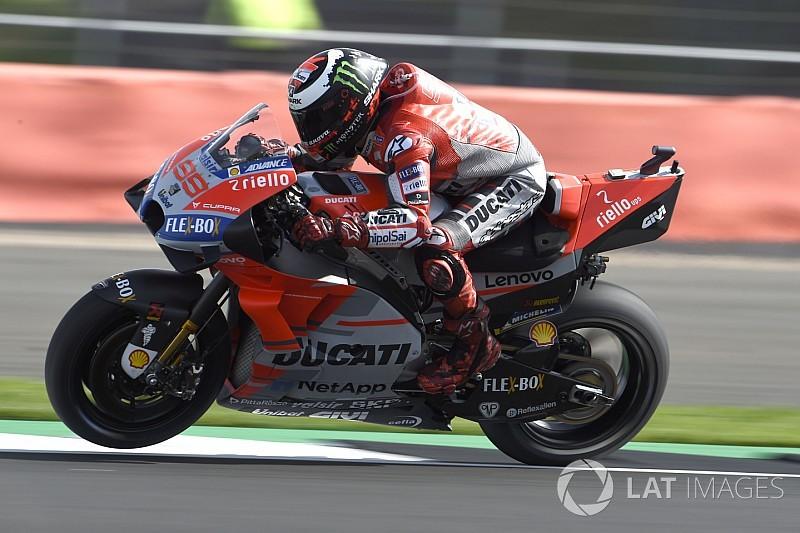Lorenzo op pole voor Britse Grand Prix, Yamaha beleeft rampzalige kwalificatie
