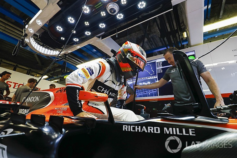 Vandoorne column: McLaren can be best of the rest in Singapore