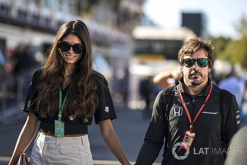 Alonso aláírt a McLaren-Renault-hoz: bejelentés ezen a héten