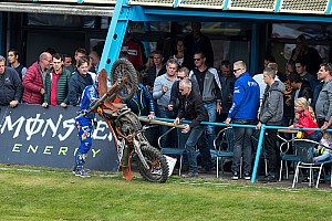 MXGP Nieuws Coldenhoff onzeker voor seizoensfinale na krankzinnige crash in Assen