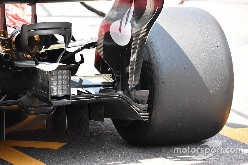 Ferrari: nyitottabb motorborítás és más új apróságok az autón
