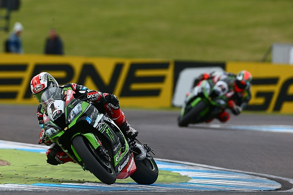 Superbike-WM in Donington: Jonathan Rea holt 100. Kawasaki-Sieg