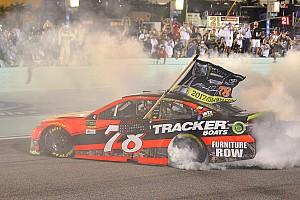 NASCAR Cup Отчет о гонке Труэкс стал чемпионом NASCAR
