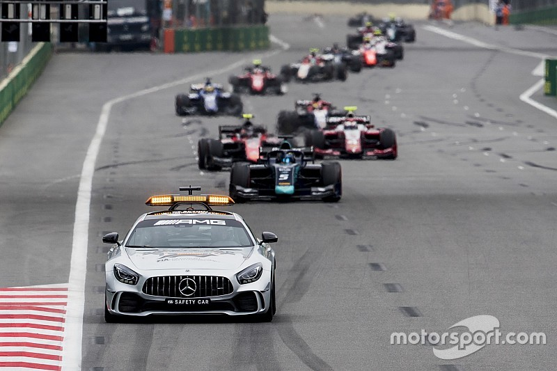 F2 resorts to rolling starts due to clutch problems