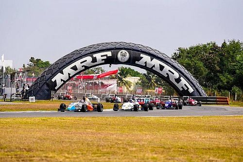 MRF Chennai: Presley bendung serangan van Kalmthout di Race 3