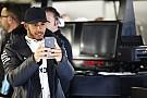 F1 bermitra dengan Snapchat