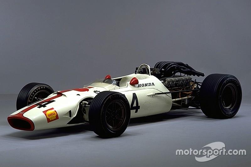 【F1】優勝50周年記念。ホンダRA300、イタリアGPでデモ走行