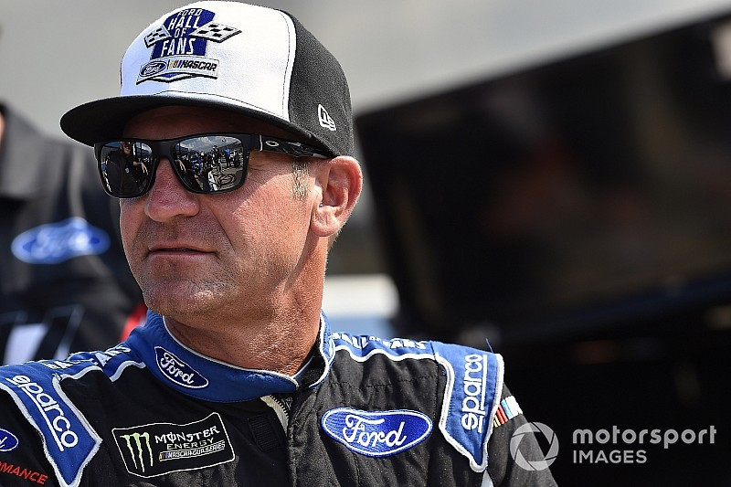 Clint Bowyer fastest in Friday's Cup practice at Atlanta