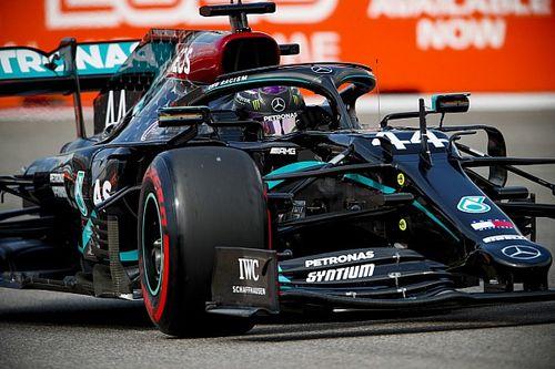 """F1ロシア予選:圧巻ポールのハミルトン、Q2で赤旗危機""""一発""""。フェルスタッペン意地の2番手"""